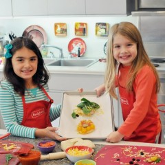 https://www.bridgford.com/bread/wp-content/uploads/2014/03/Kids-baking-2-240x240.jpeg