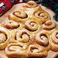 https://www.bridgford.com/bread/wp-content/uploads/2015/07/Cinnamon-Roll-Christmas-Tree-240x240.jpg