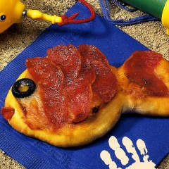http://www.bridgford.com/bread/wp-content/uploads/2015/07/Freddie-Fish-Pizza-240x240.jpg