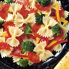 http://www.bridgford.com/bread/wp-content/uploads/2015/07/Pasta-with-Pepperoni-Broccoli-Sweet-Peppers-240x240.jpg