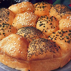 https://www.bridgford.com/bread/wp-content/uploads/2015/07/Seeded-Pull-Apart-Rolls-240x240.jpg