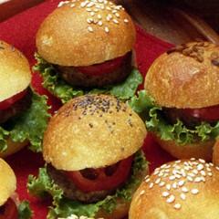 https://www.bridgford.com/bread/wp-content/uploads/2015/07/Tiny-Hamburger-Buns-Patties-240x240.jpg