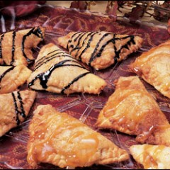 http://www.bridgford.com/bread/wp-content/uploads/2015/07/apple-empanadas-240x240.jpg