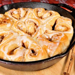 https://www.bridgford.com/bread/wp-content/uploads/2016/02/Skillet-Cinnamon-Roll-Hearts-240x240.jpg